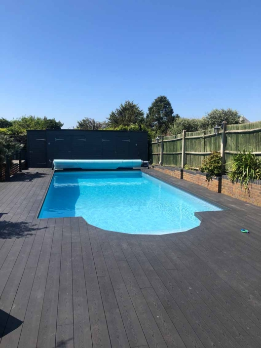 Swimming-pool-decking-Hove